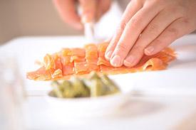 Flans de pointes d'asperges au saumon